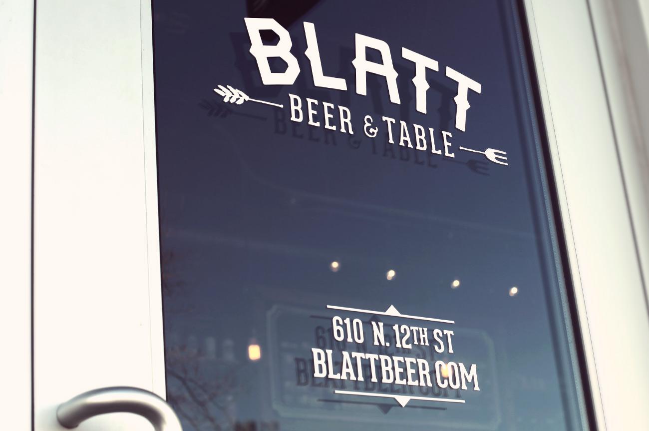 blatt-door_signage